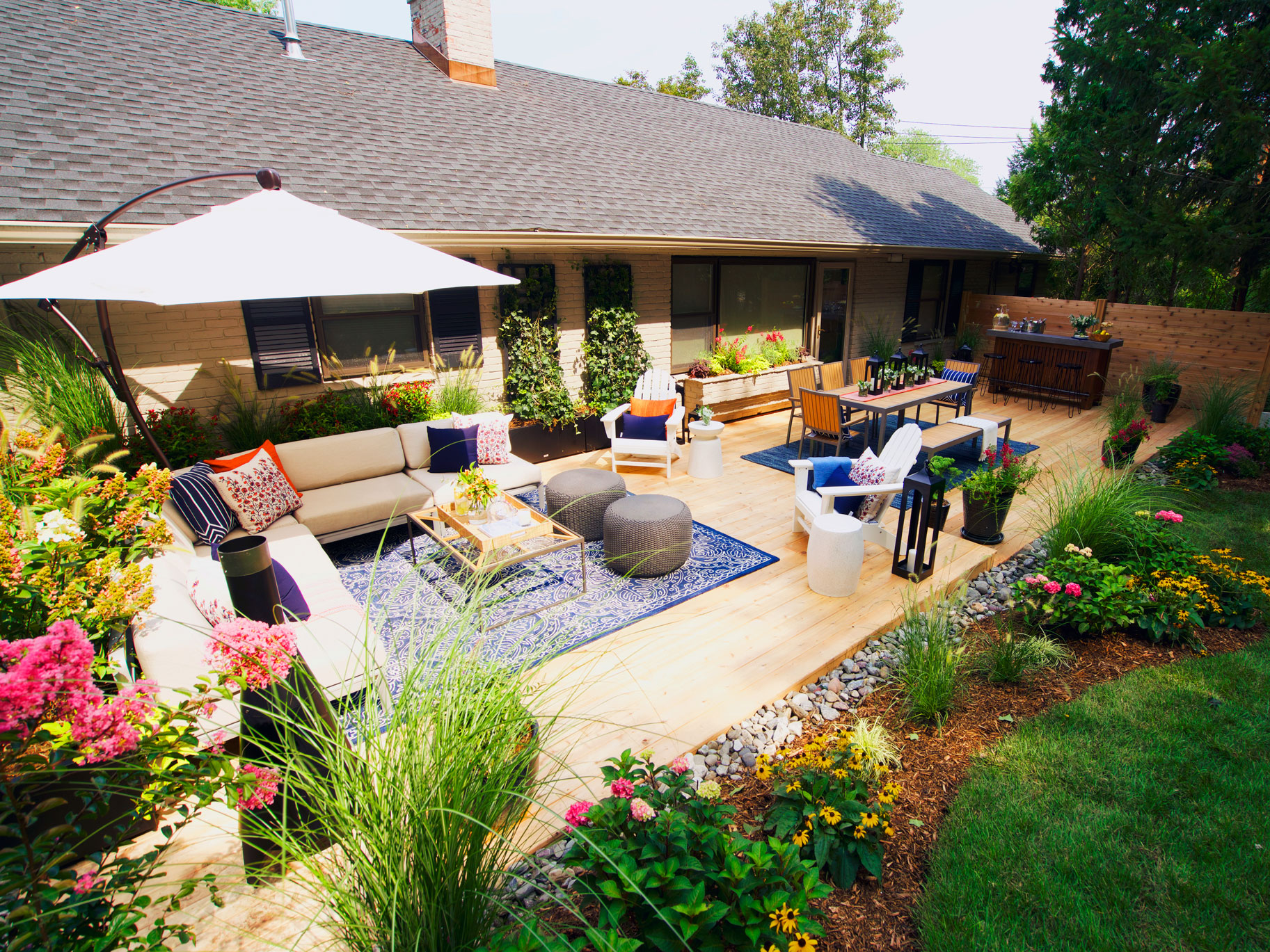Watch This Gorgeous Backyard Envy Transformation Is ...