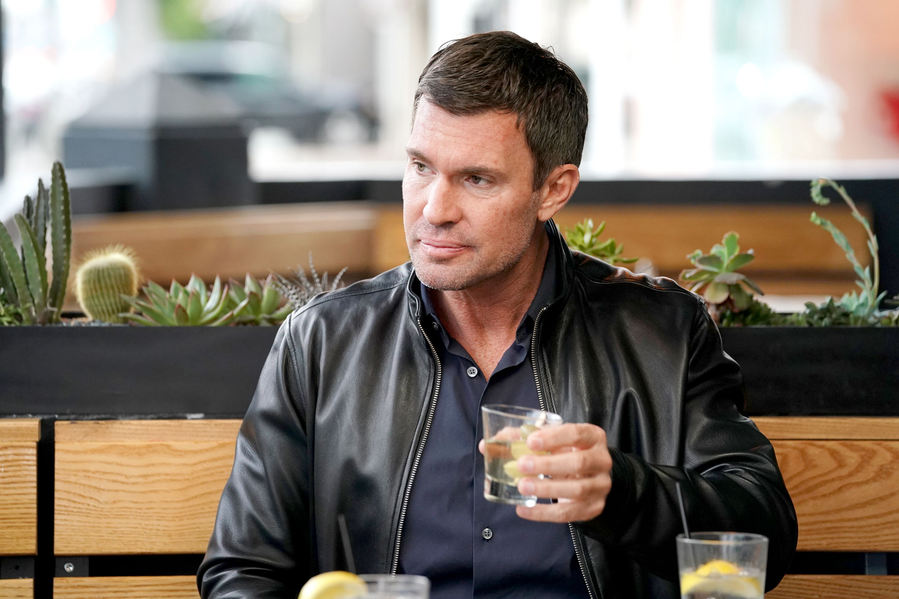 Jeff Lewis at a restaurant