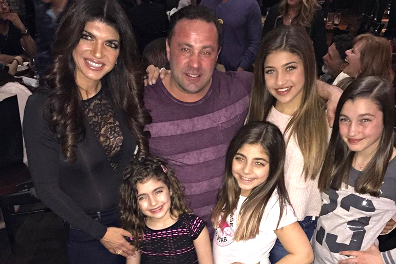 Teresa and Joe Giudice with Daughters