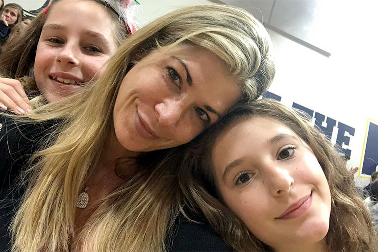 Alexis Bellino and Daughters