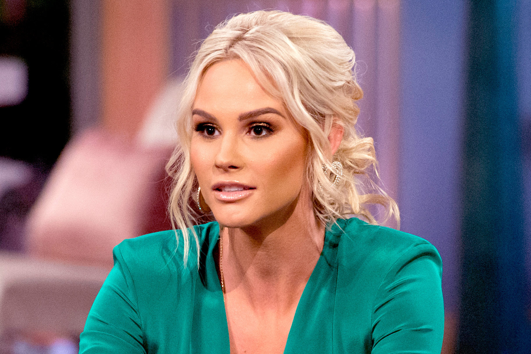 Meghan King Edmonds removed ring