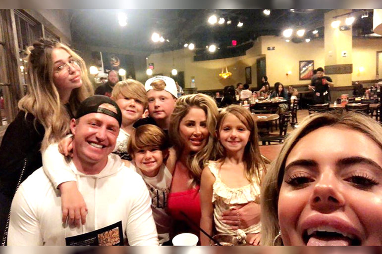 Kim Zolciak-Biermann and family