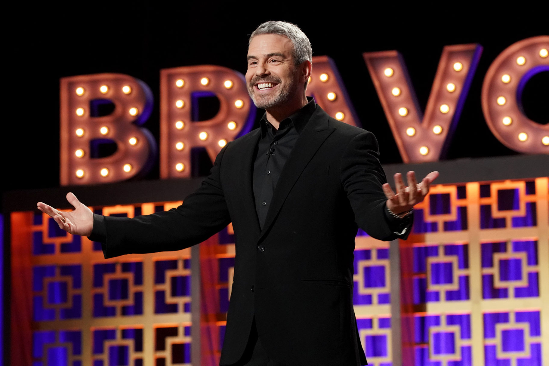 Andy Cohen Wwhl Bravcon Makeout