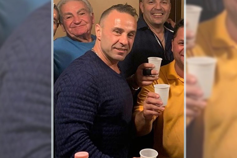 "Joe Giudice Toasts ""New Beginnings and My Amazing Family"" During Reunion in Italy"