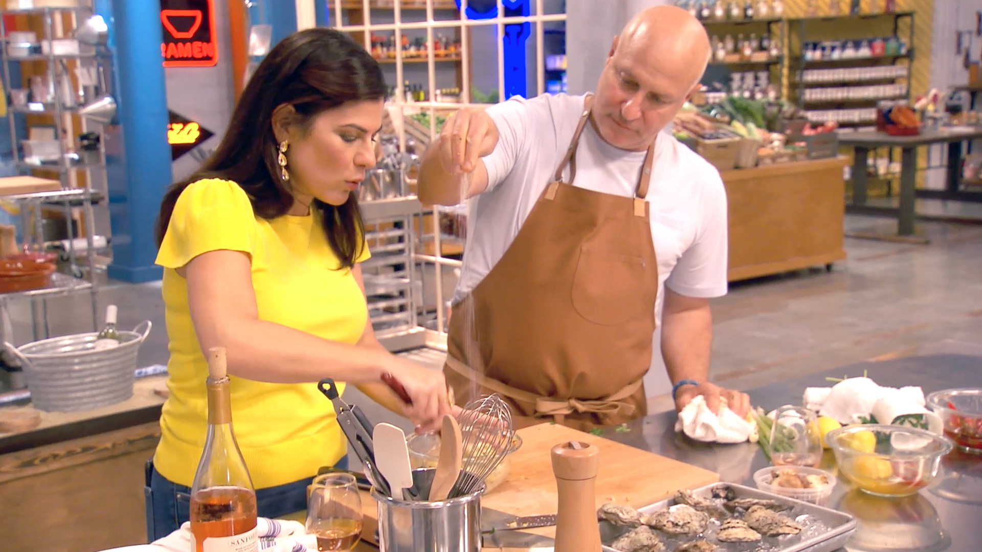 Top Chef 1701 Tom Colicchio Takes Wood Fire Challenge