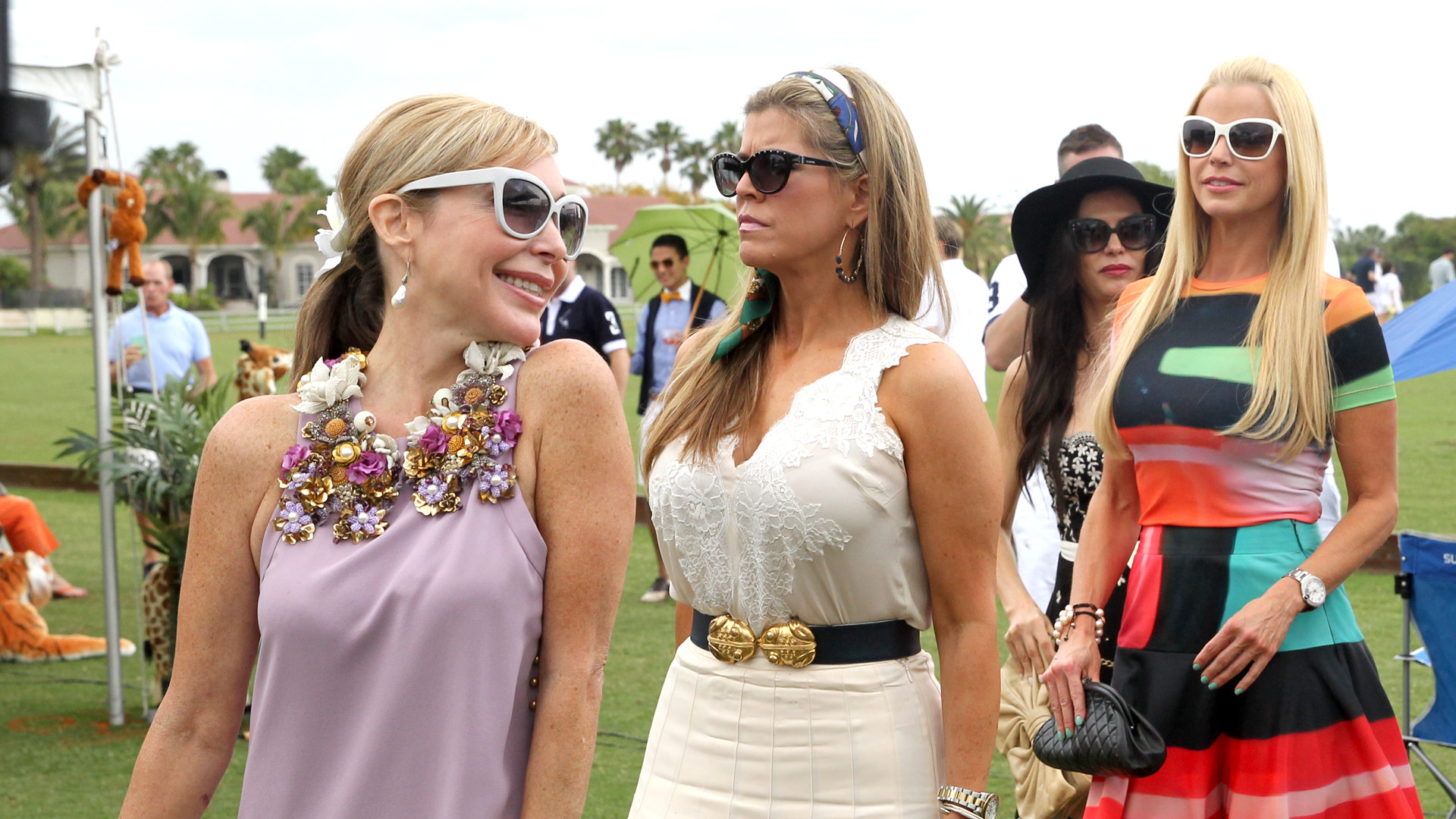 Leah Black Friendships Rhom