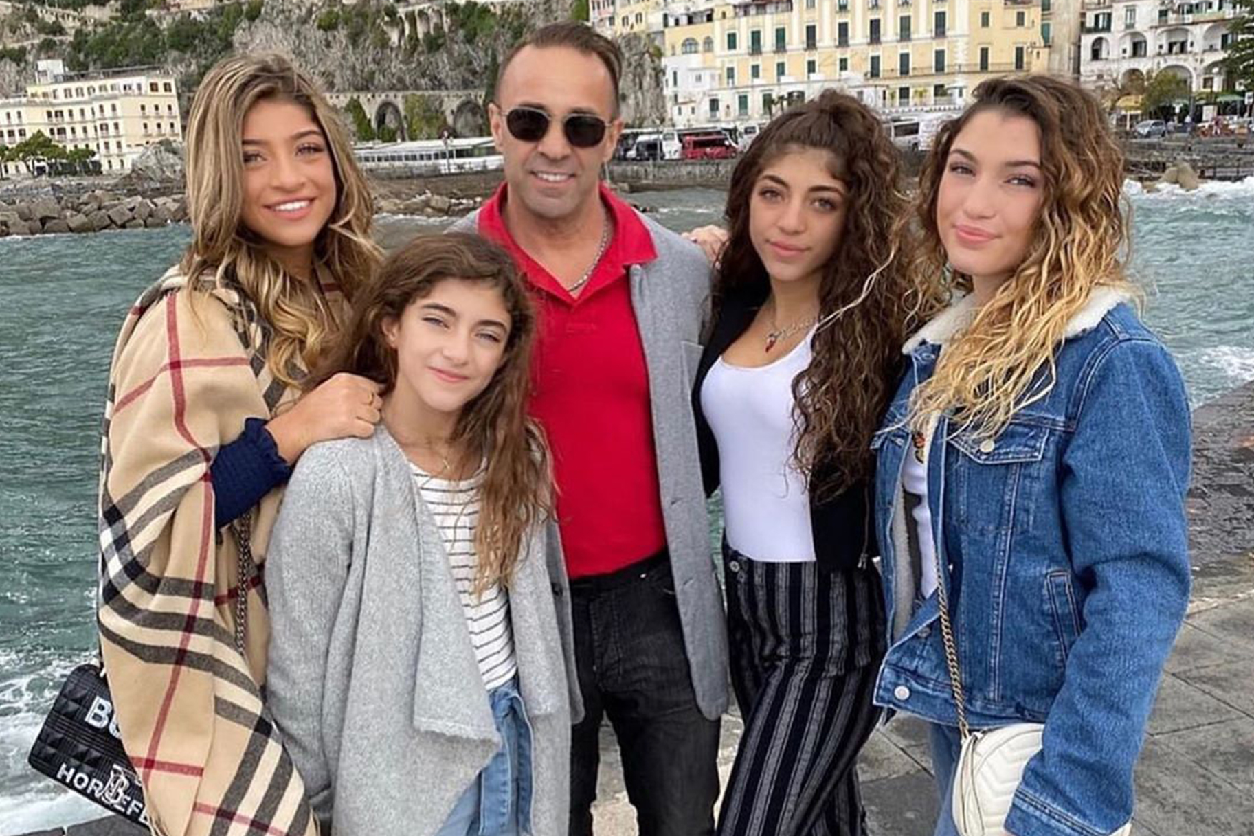 Joe Giudice Missing Daughters Family