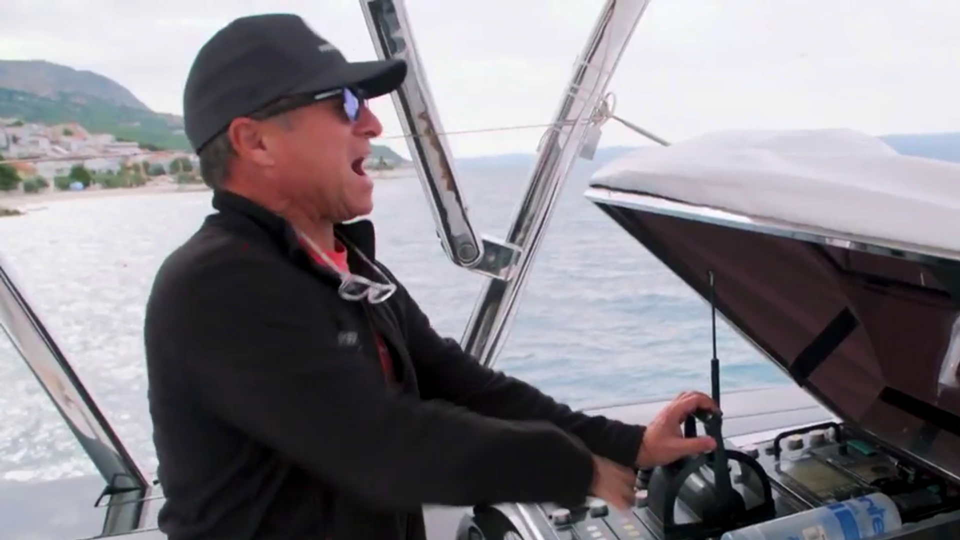 Bdsy 210 Captain Glenn Loses Control Of The Yacht