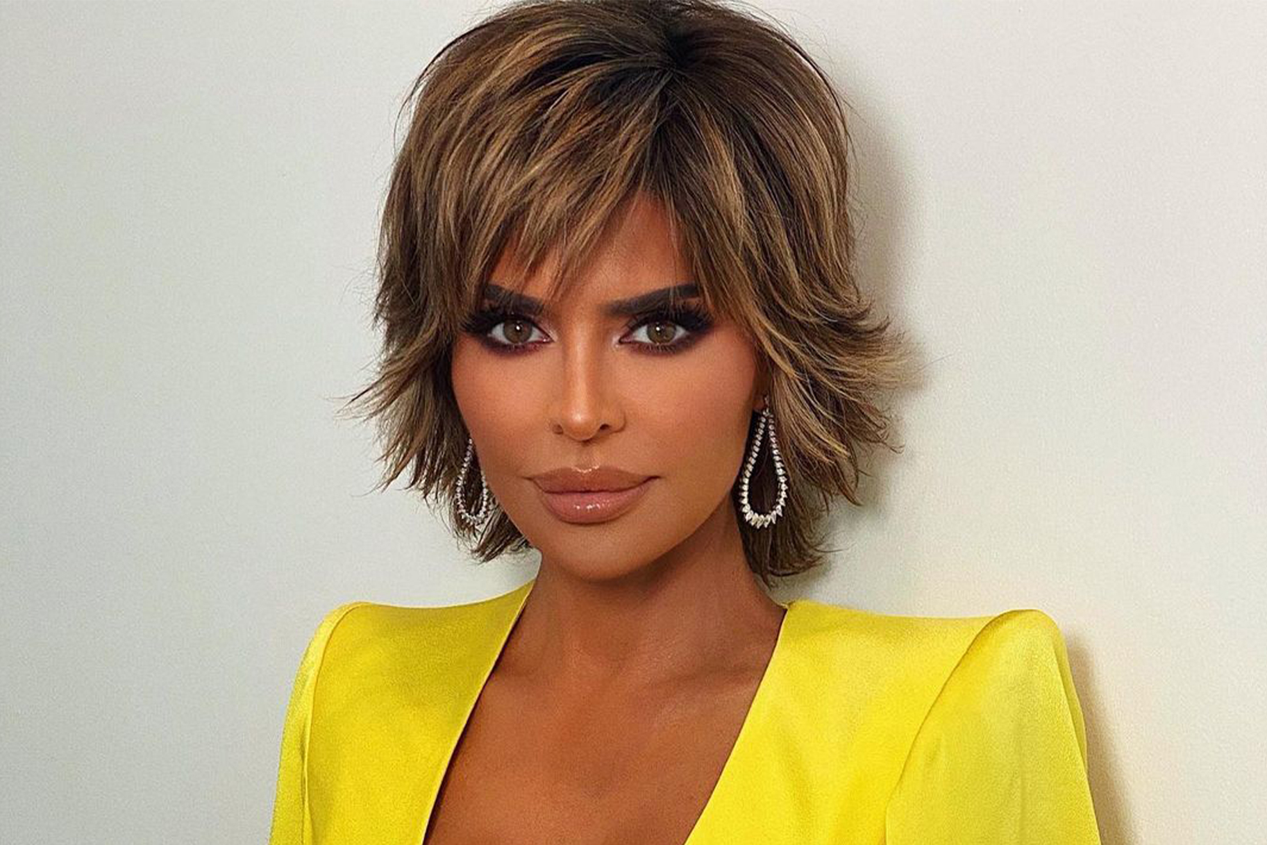 Lisa Rinna Makeup Free Look