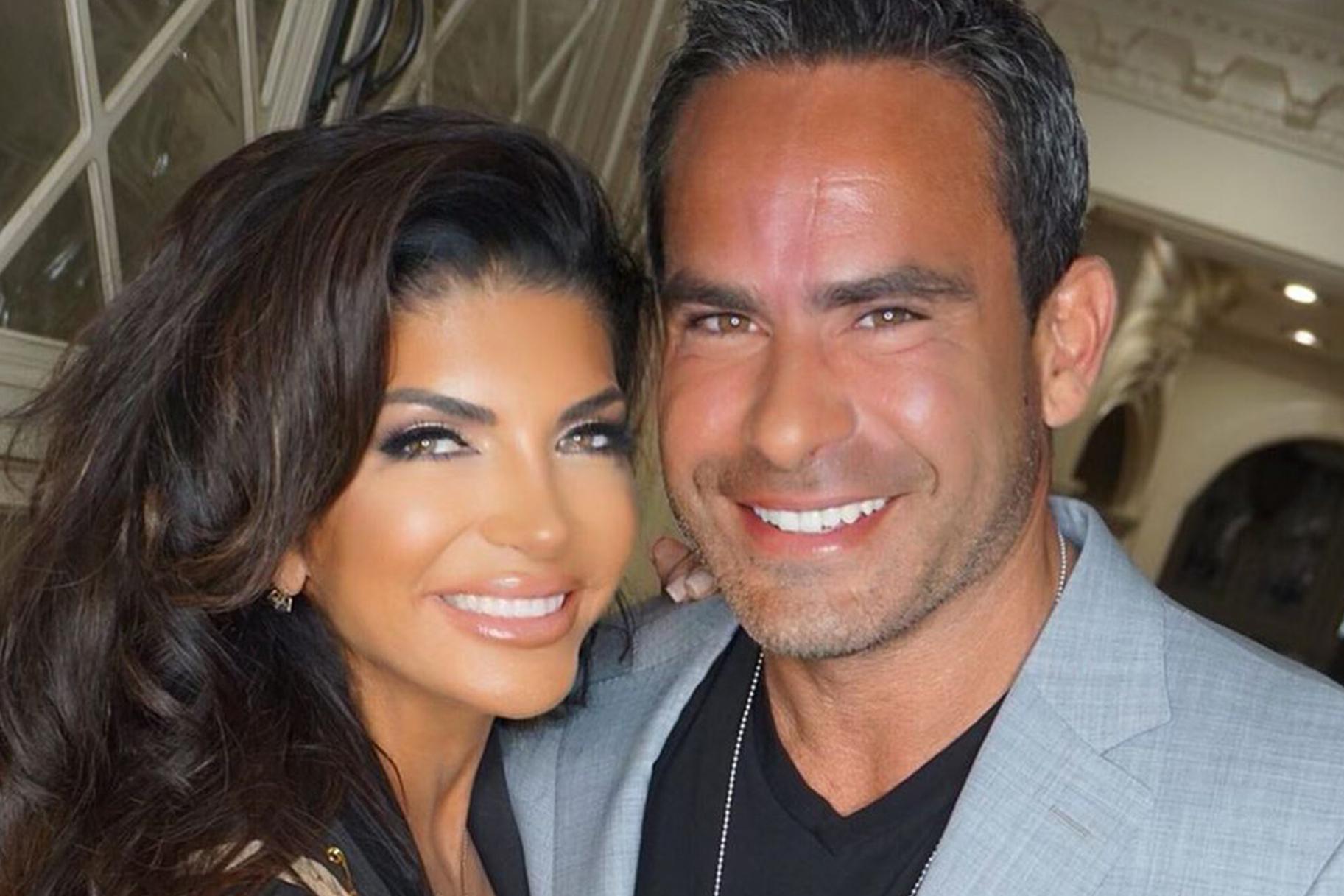 Teresa Giudice Louie Pineapples