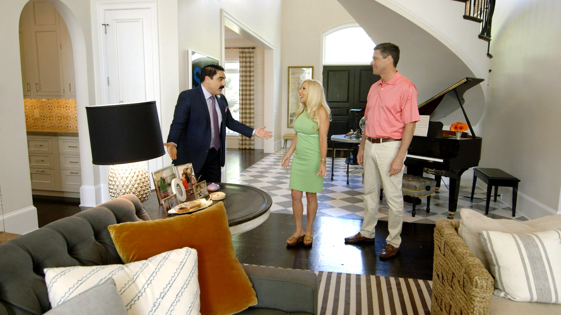 Watch Reza Shows A Nate Berkus Home Oprah S Designer Yours Mine Or Ours Season 1 Episode 9 Video