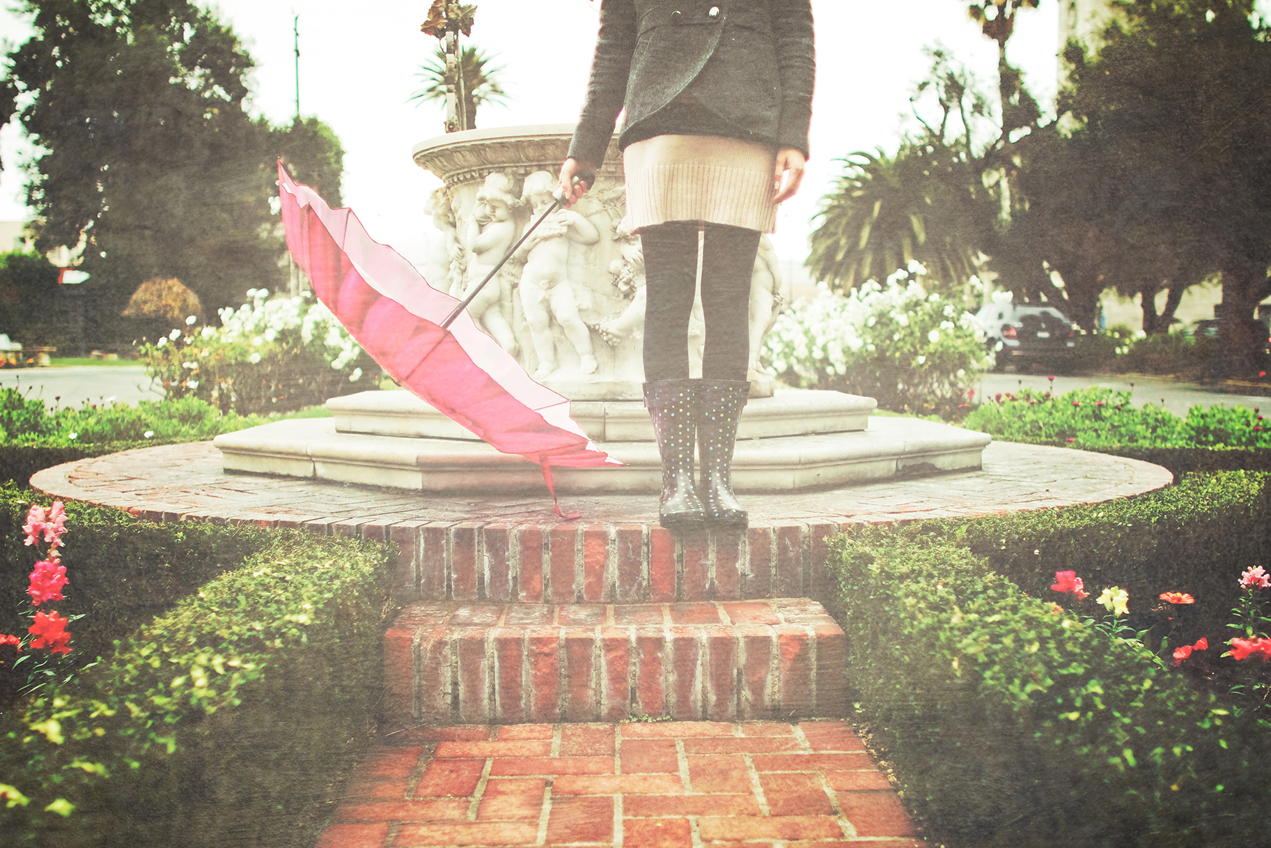 1144cd542a9b81 Spring Travel Packing List  7 Rain Boots That Are Actually ... Chic !