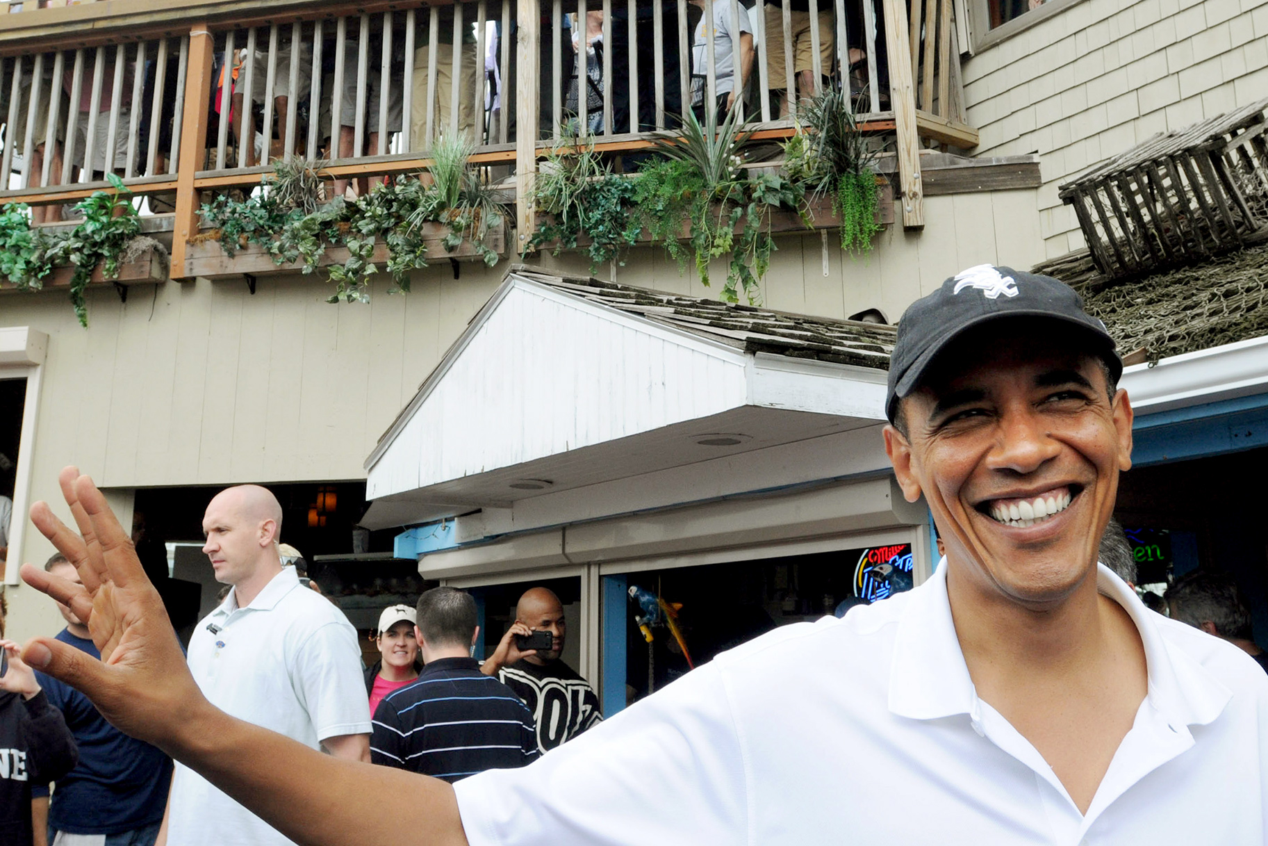 58c083ac2c5 No Longer Leading Free World Obama Is Straight Chillin in Vacay Mode