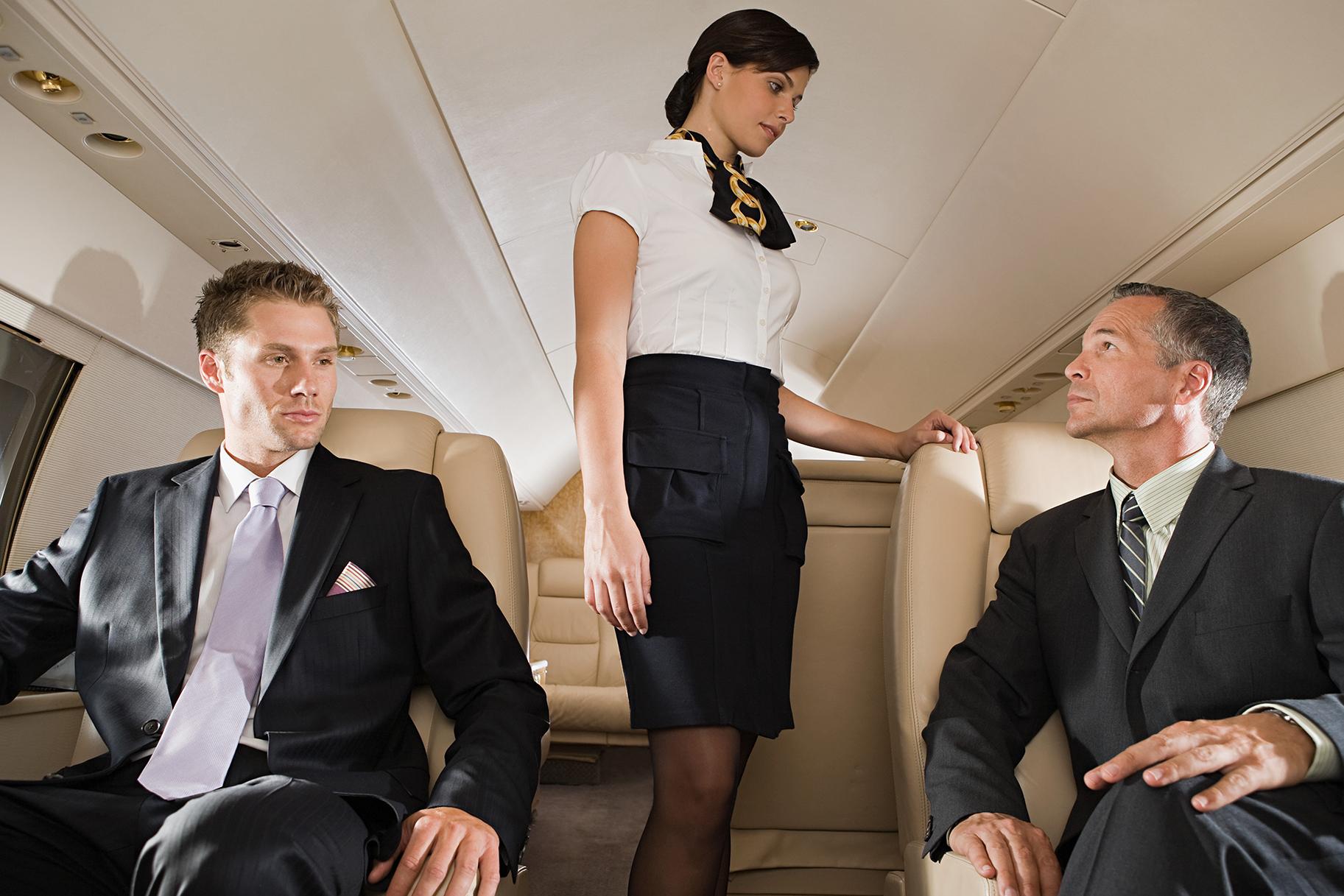 seks-styuardessi-s-passazhirom-foto-ogromniy-rezinoviy-fallos-smotret-onlayn