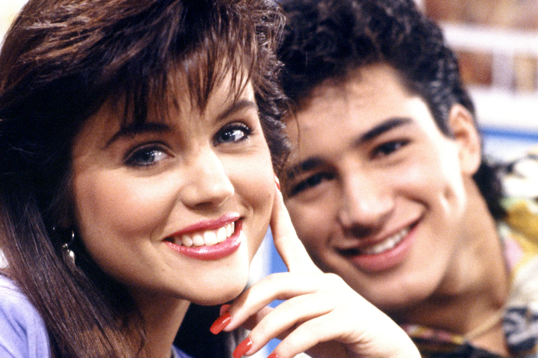 Tiffani Thiessen And Mario Lopez Have Hardly Changed Since