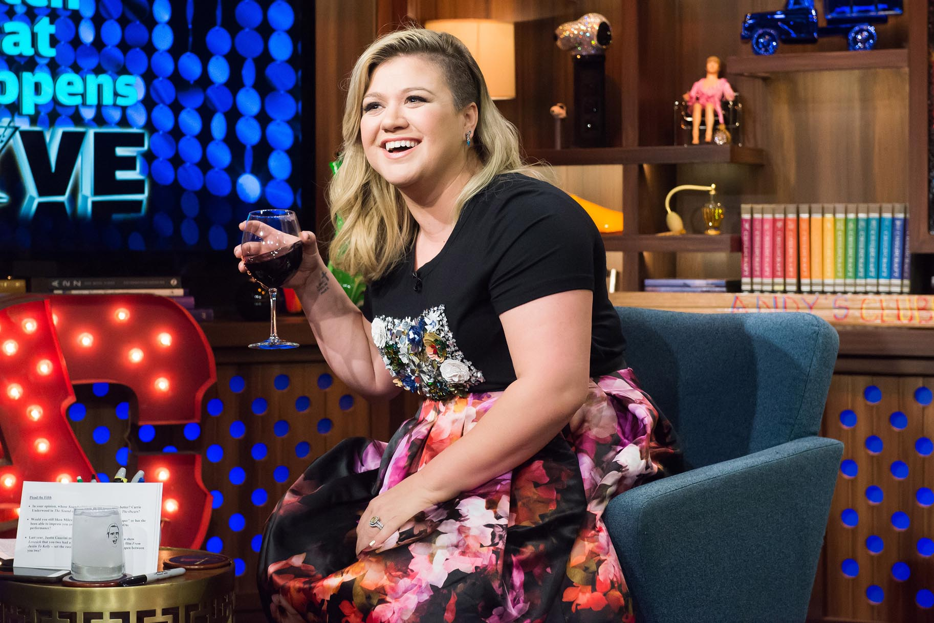 Congratulate, kelly clarkson midget was and