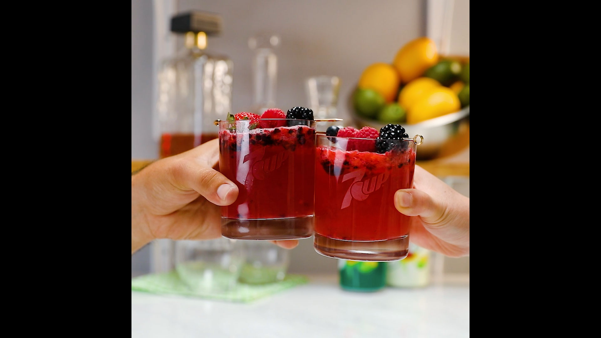 Craft the Perfect Berrylicious Beverage Thanks to 7Up!