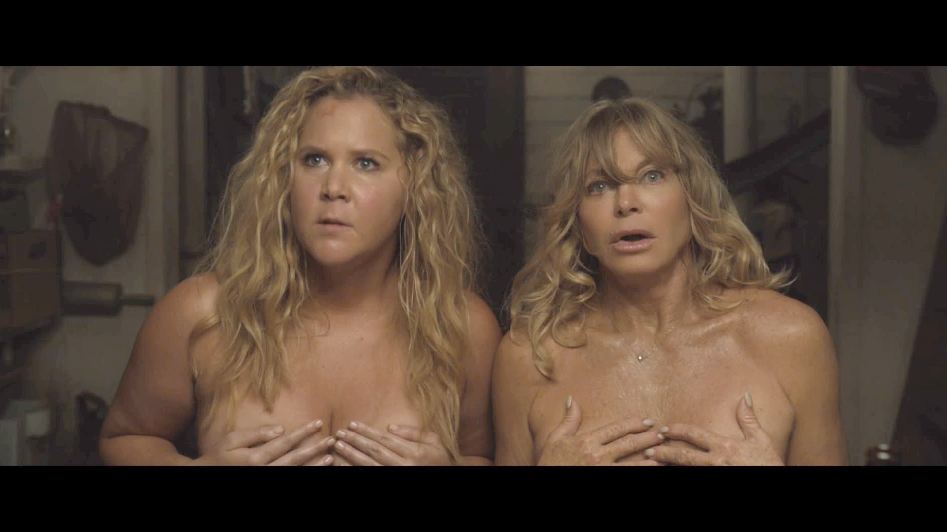 Watch Exclusive Goldie Hawn And Amy Schumer Strip Down In