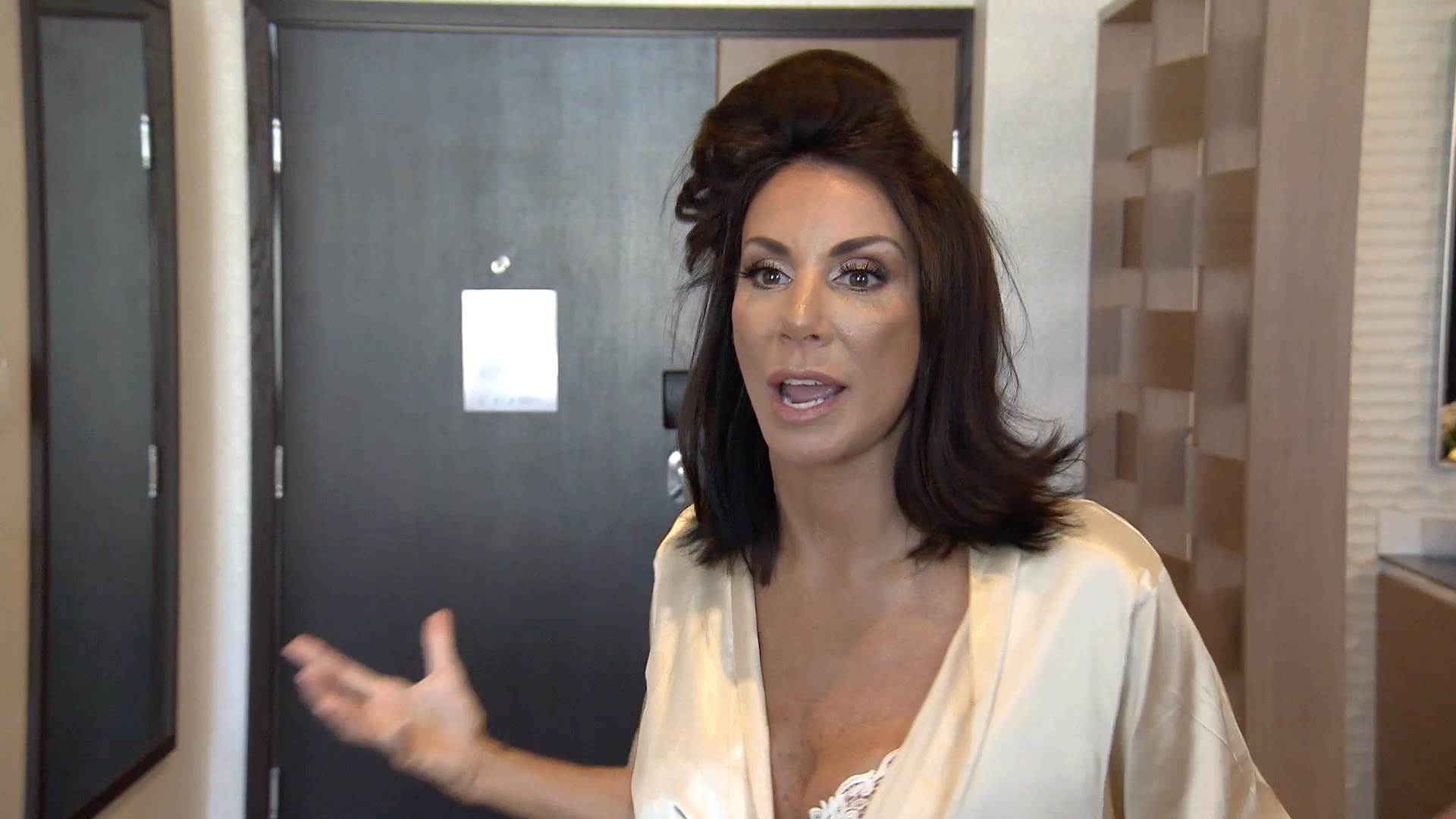 Danielle Staub Is Not Okay With Your Wet Hair!