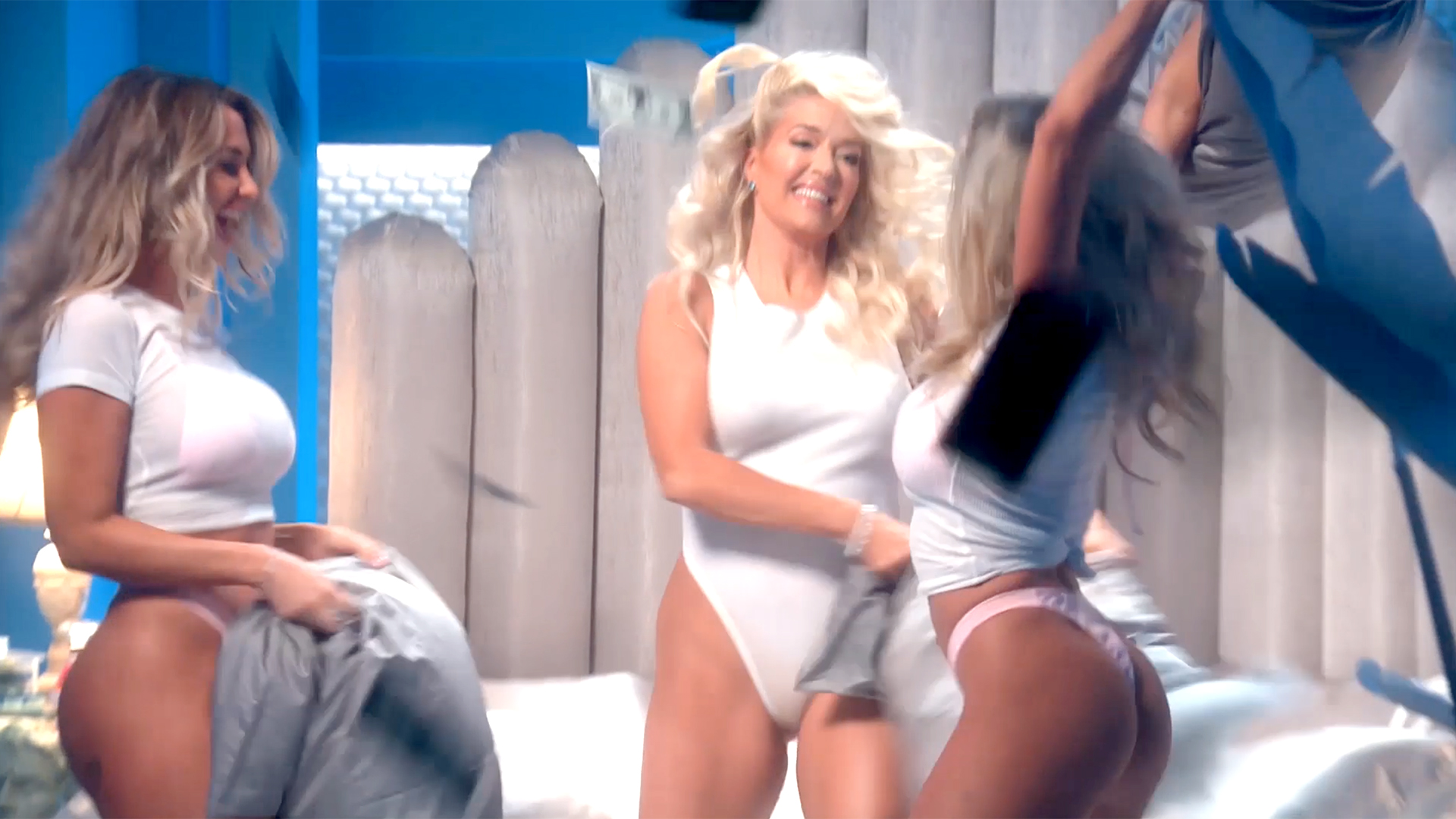 Jayne Naked erika jayne performed on a nude beach: video | the daily dish