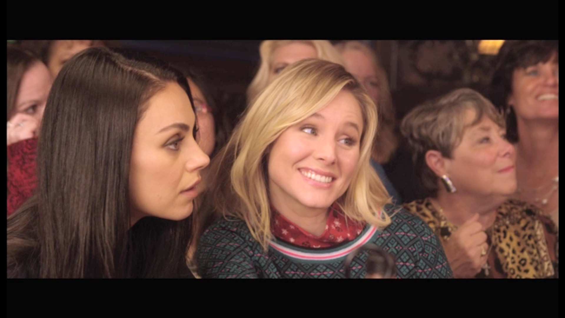 A Bad Moms Christmas Dvd Cover.Mile Kunia Kristen Bell In A Bad Moms Christmas Dvd Video