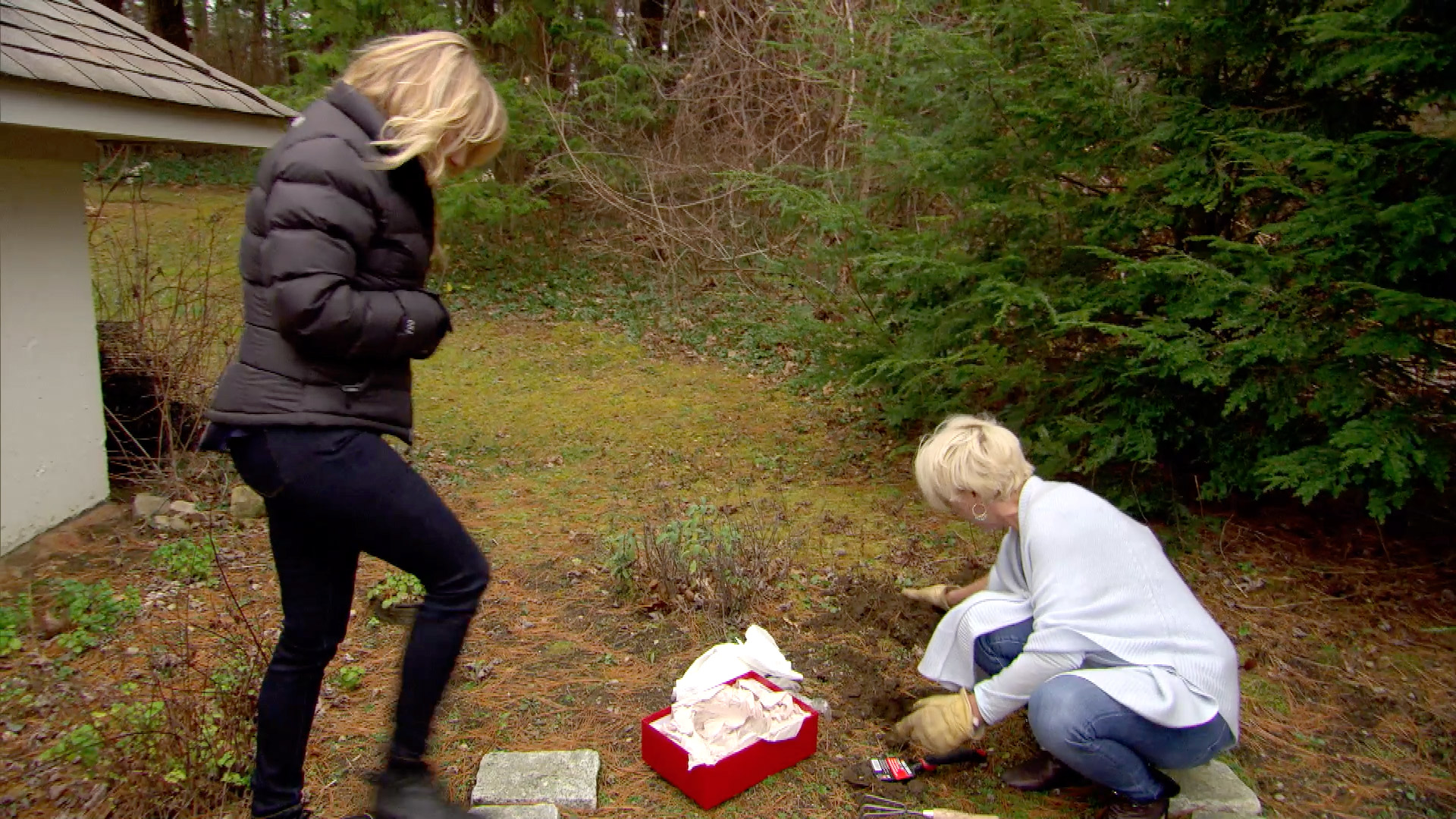 Unseen Moment: Ramona and Dorinda Attend a Funeral