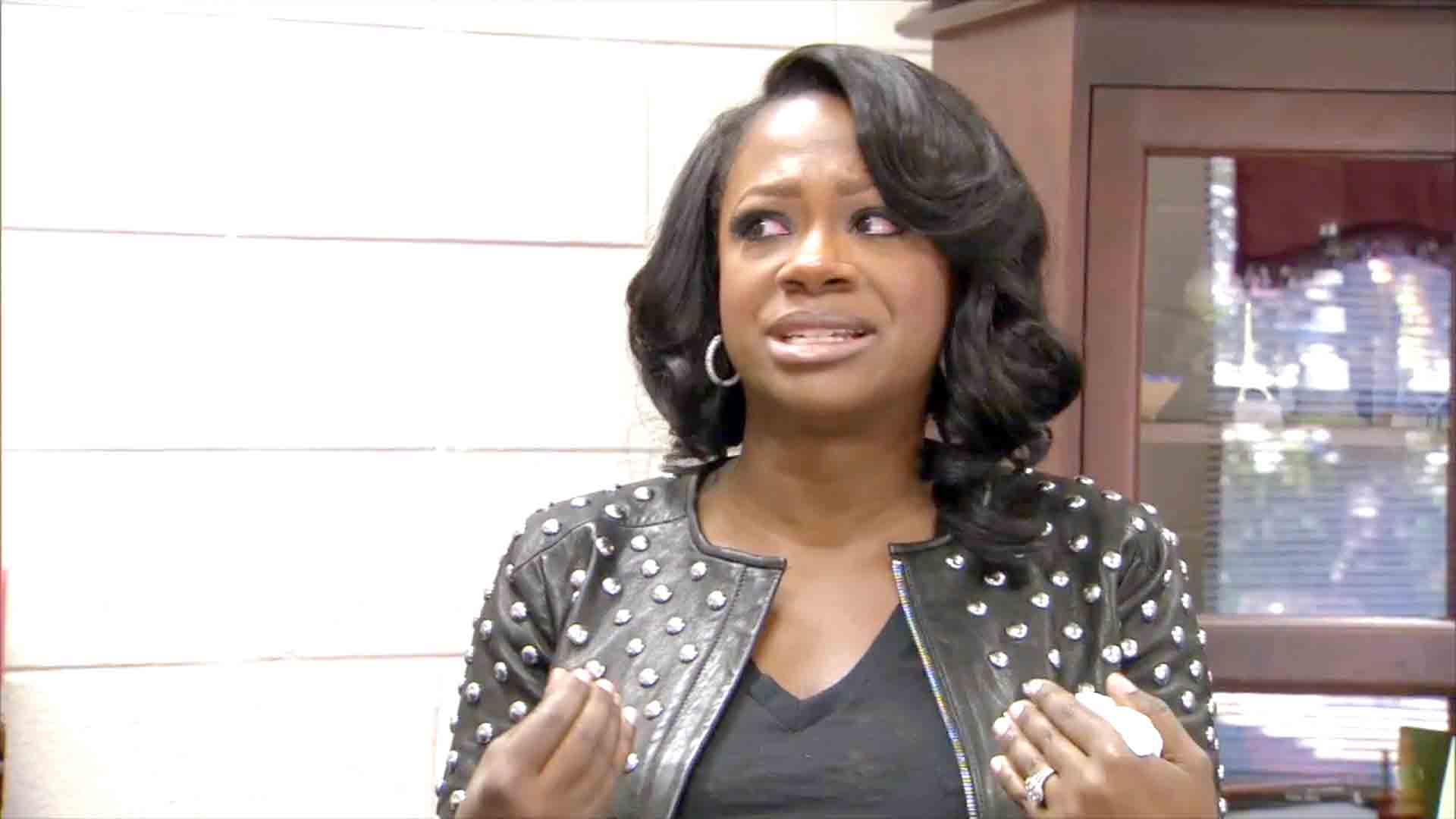 Why's Kandi Burruss Crying?