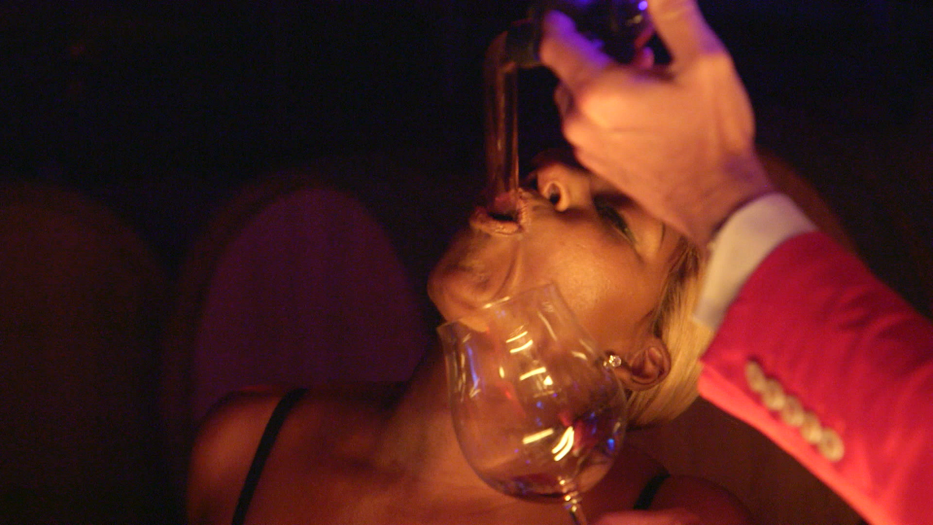 Unseen Footage: The 'Wives Get a Lesson in Tasting Wine