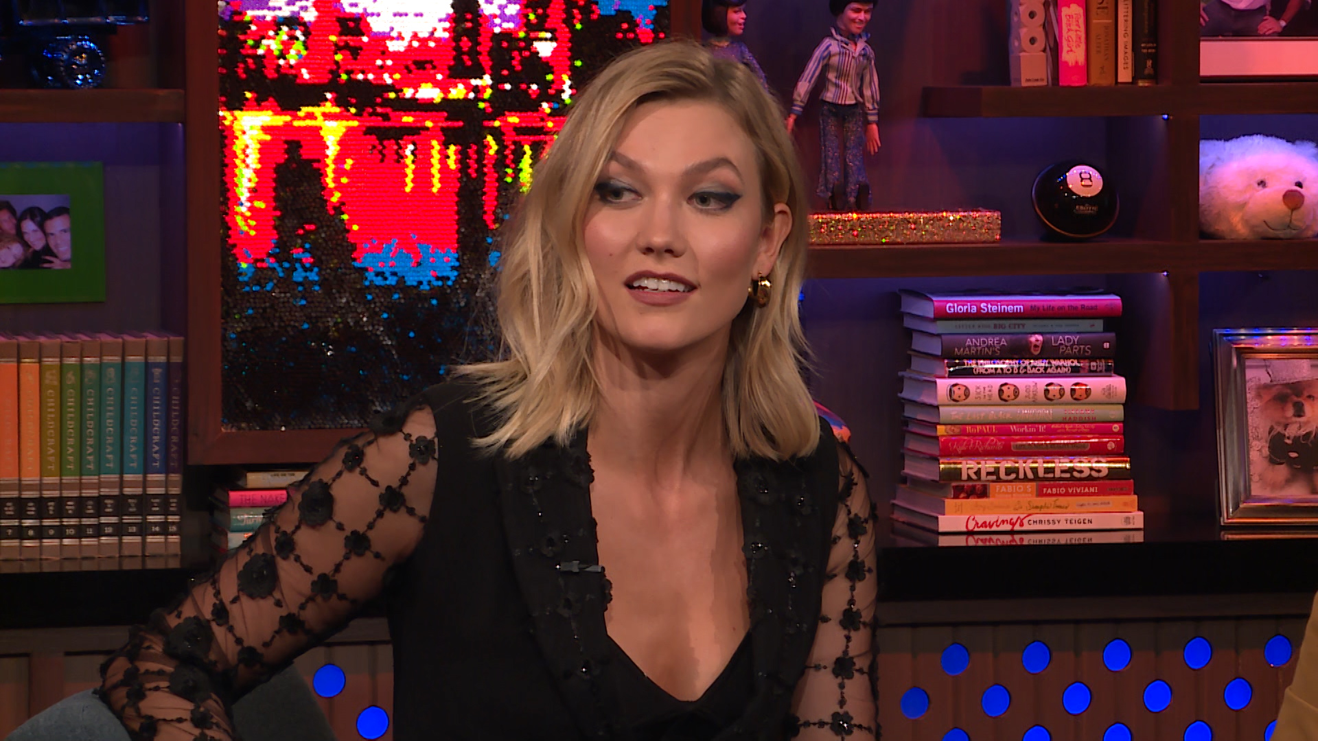 Taylor Swift Elle Essay About Girl Squad Karlie Kloss Responds The Daily Dish
