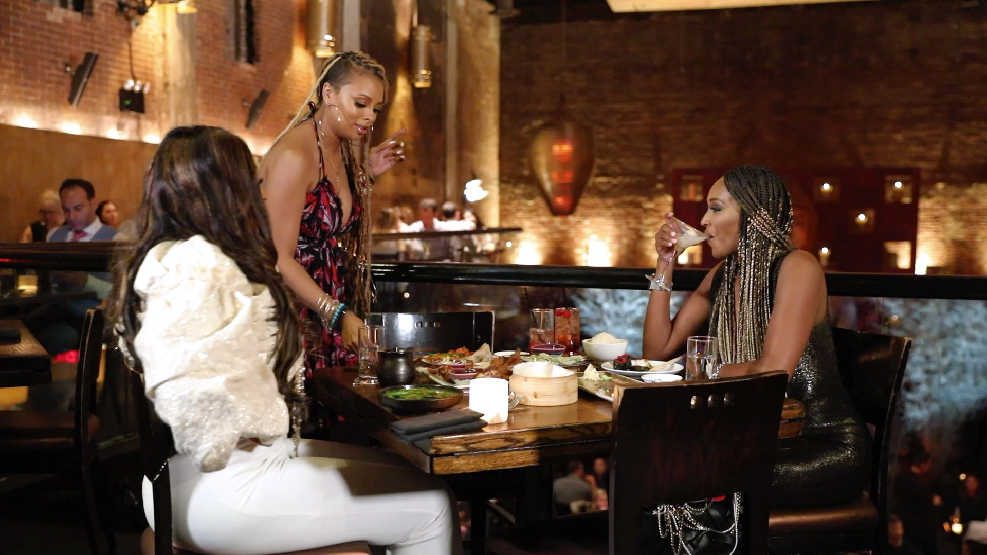 Eva Marcille Refuses to Eat with Marlo Hampton