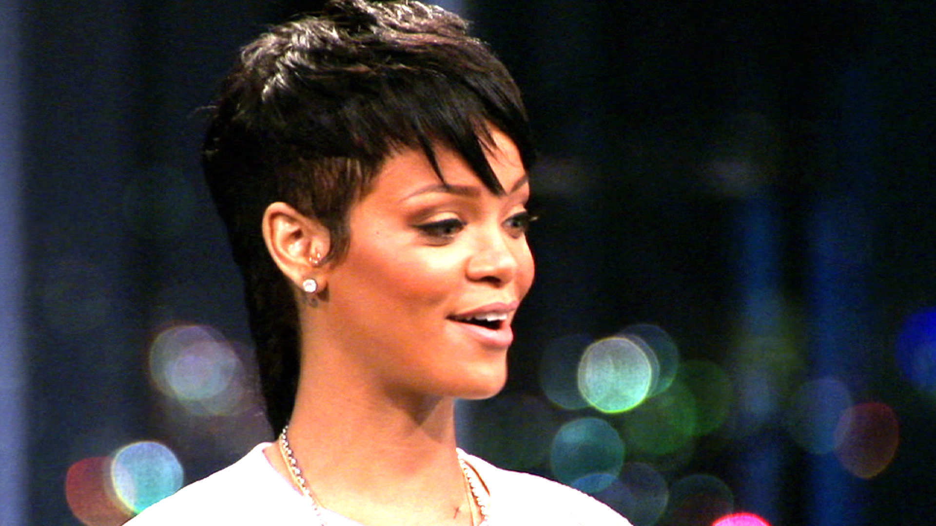 Who Will Robyn Rihanna Choose?