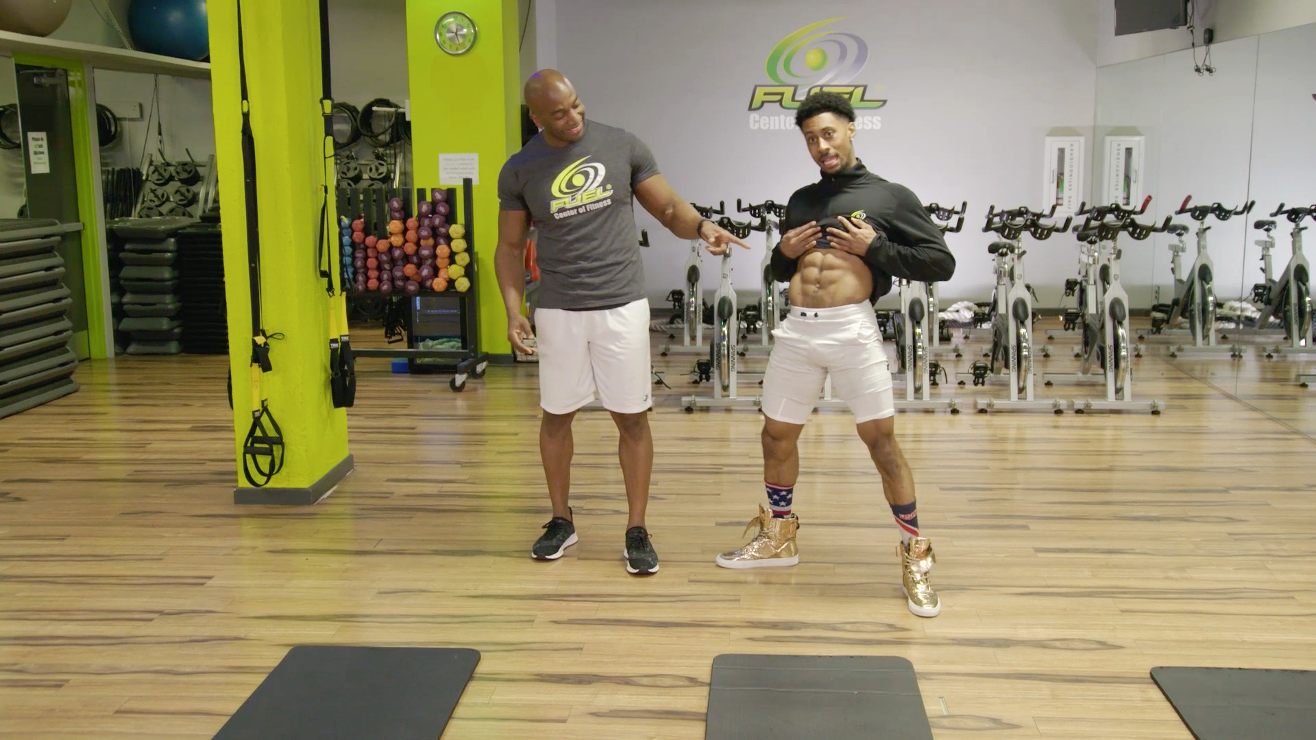 Barry Smith and Jon Moody Show You How to Get Those Washboard Abs
