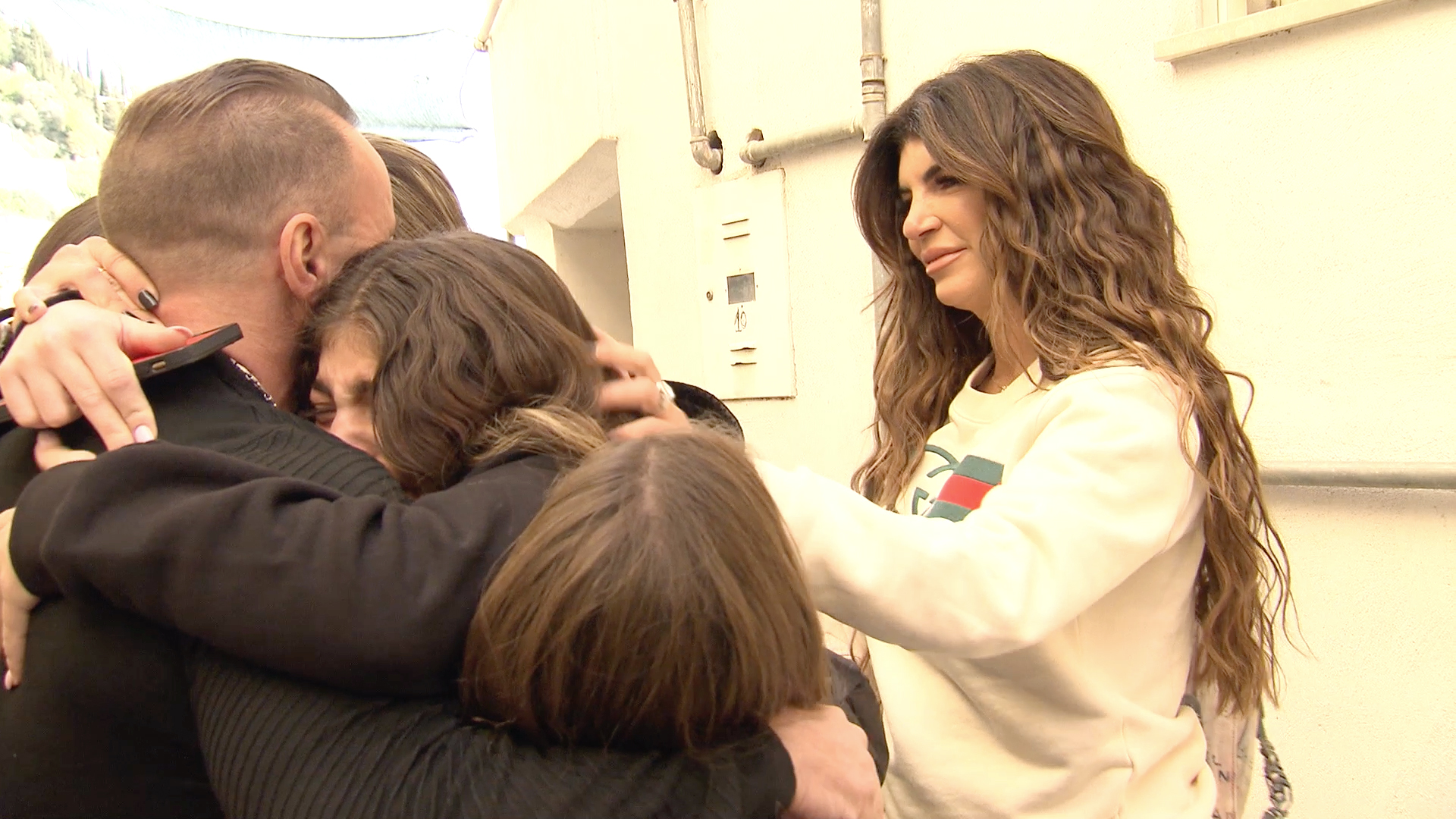 Teresa Giudice and Her Girls Reunite With Joe Giudice in Italy!