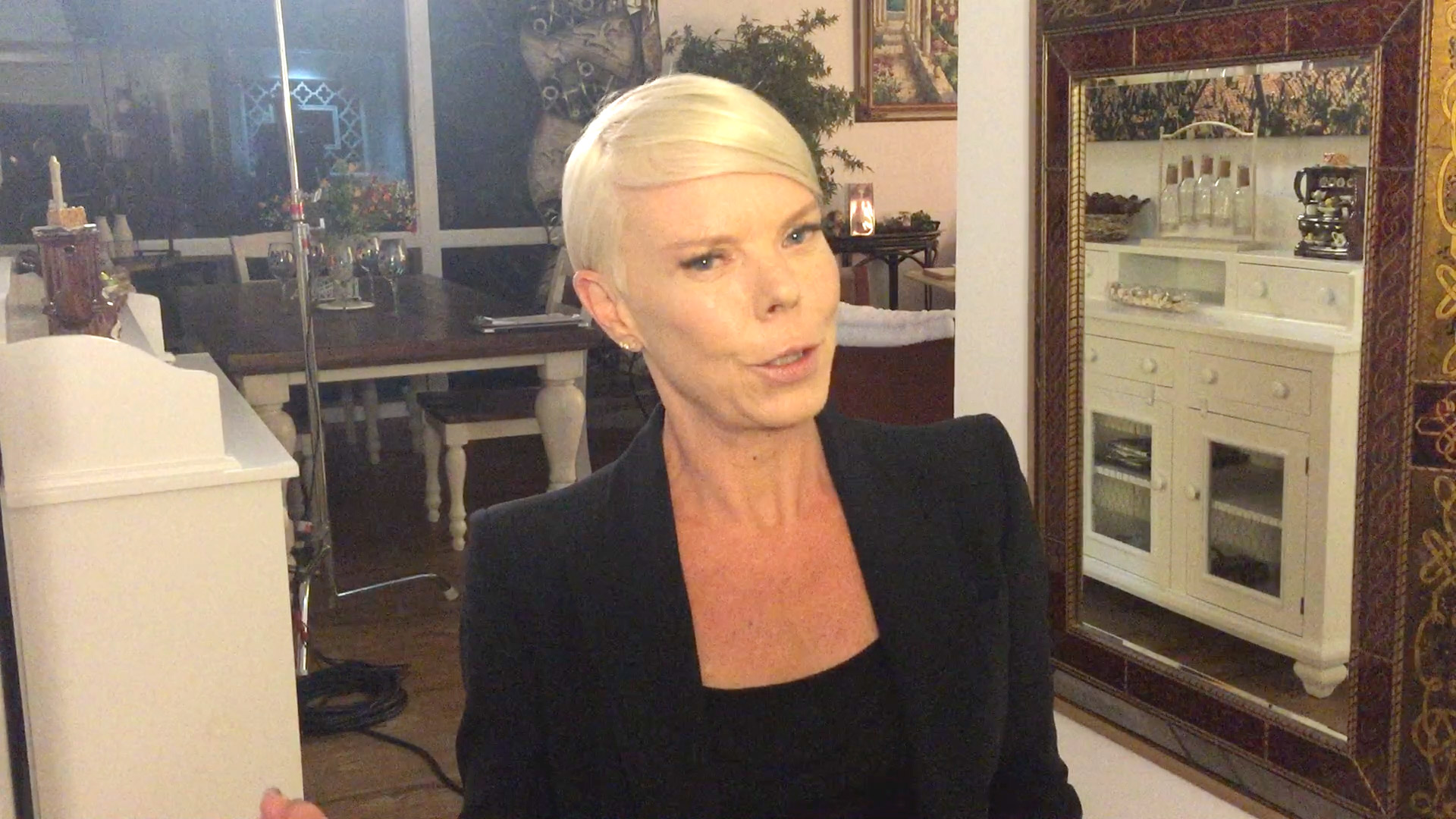 Hear Tabatha Coffey's First Impressions of the D'Amore Family