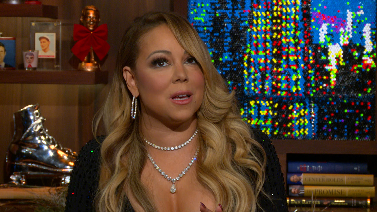 Mariah Carey All I Want For Christmas Mic Feed.Mariah Carey New Year S Eve 2016 Performance Explained The
