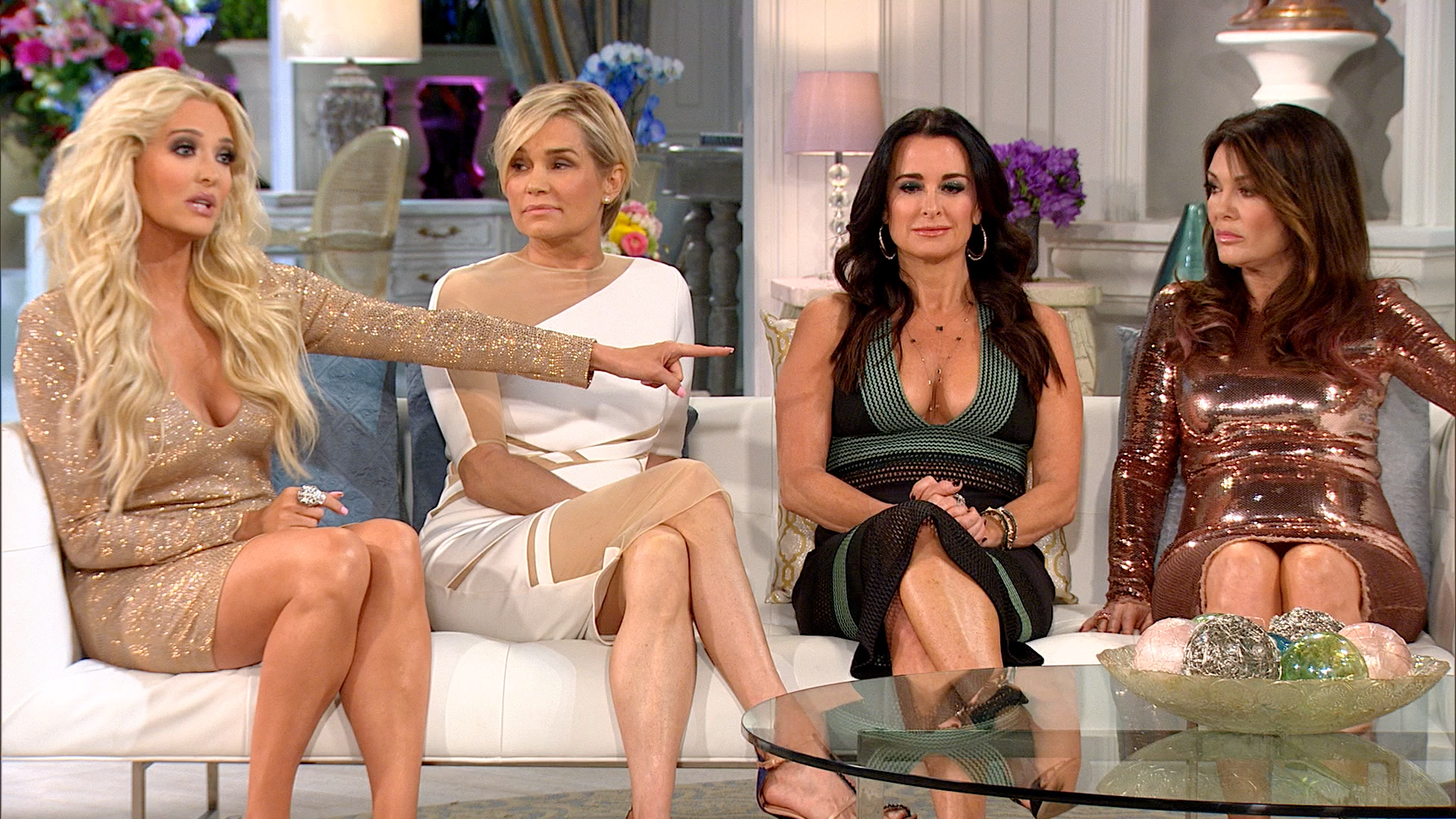 Erika Girardi Is Not Happy with Kathryn Edwards