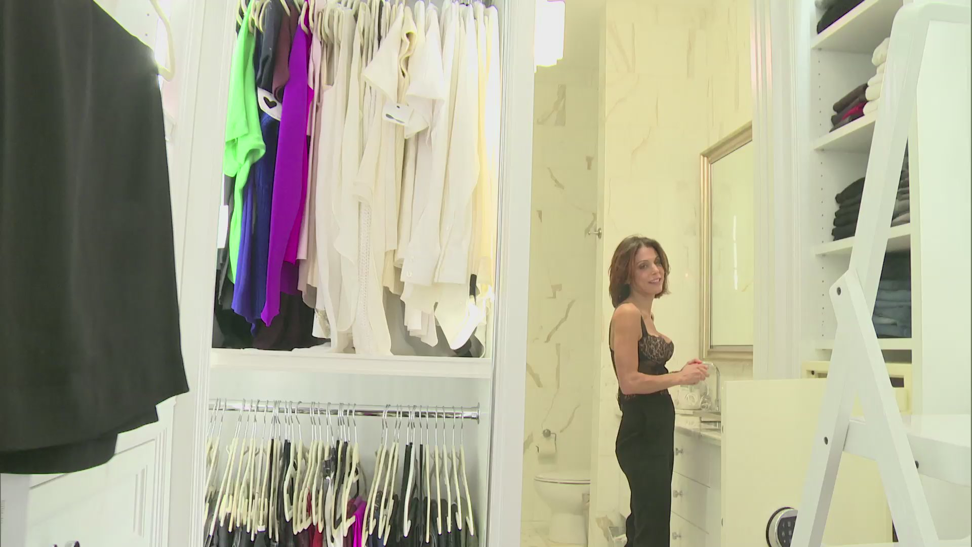 Unseen Moment: Bethenny Gets Ready for a Date