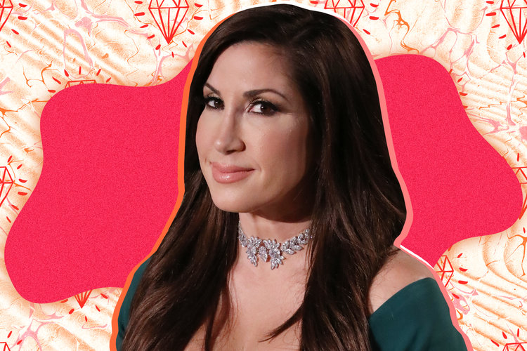Jacqueline Laurita Selling Home