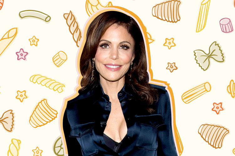 bethenny-frankel-bryn-daughter-cooking.jpg