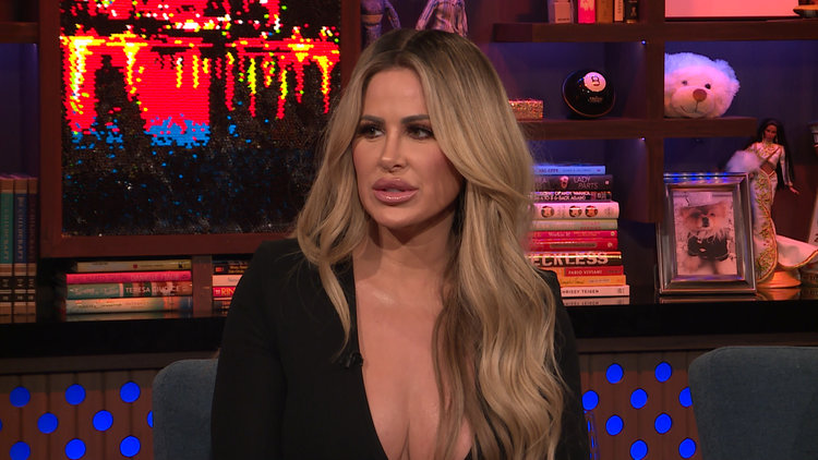 Kim Zolciak-Biermann Shades Kandi Burruss About Todd