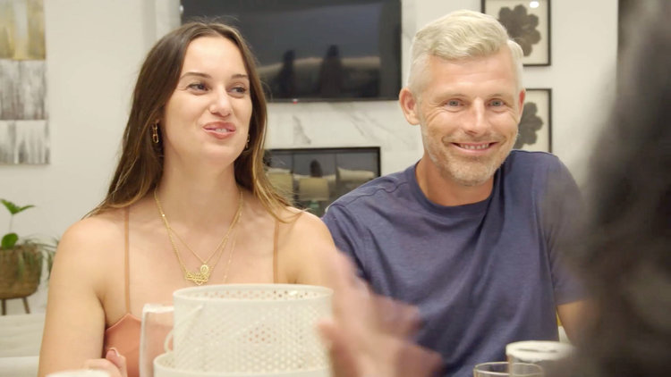 Des Bishop Reveals That He and Hannah Berner Had Sex On Their Second Date