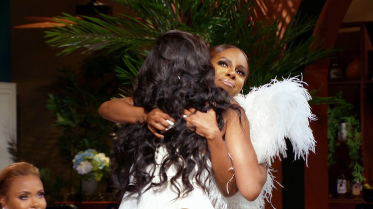 Candiace Dillard and Monique Samuels Share a Very Emotional Moment at the Reunion
