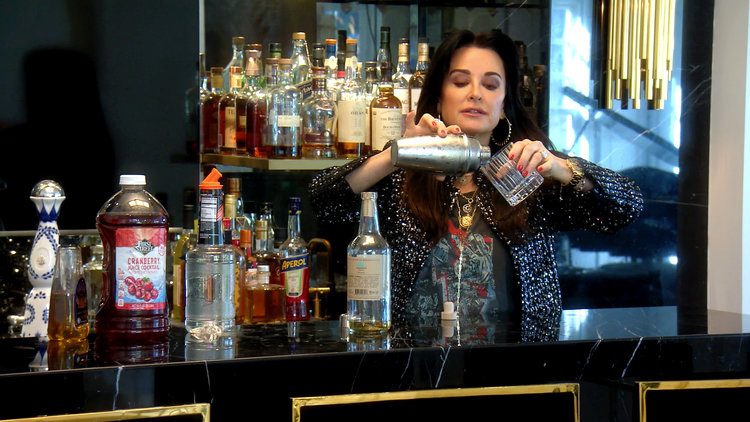 Kyle Richards Gives a Tour of Mauricio Umansky's Over-the-Top Bar