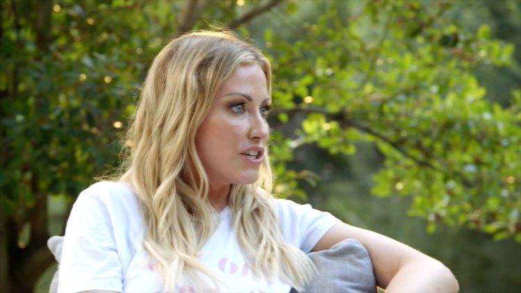 "Stephanie Hollman to Her Husband: ""Do Not Undervalue What I Bring to Your Life and Our Relationship"""
