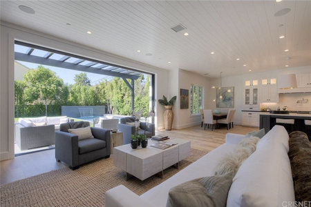 When You Live In California, You Want Indoor/outdoor Spaces That Are  Seamless, And This Home Hits That Design Concept Out Of The Park.