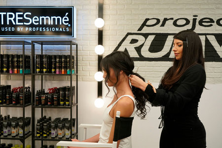 project-runway-romantic-hairstyle-date-night-03