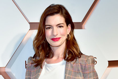 Anne Hathaway Not Drinking Anymore