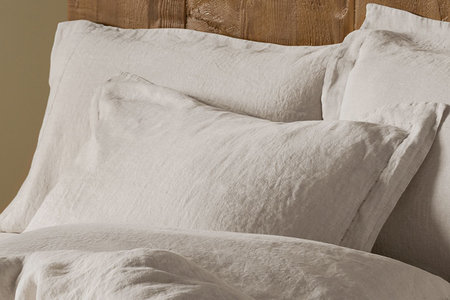 Here S Why Everyone On The Planet Needs Linen Sheets