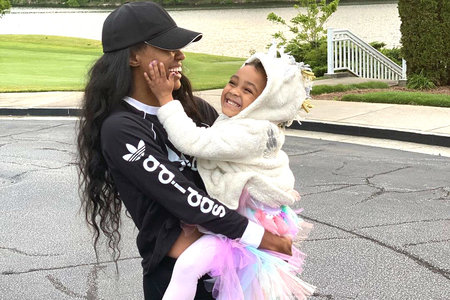 Lauren Williams Protests With Daughter