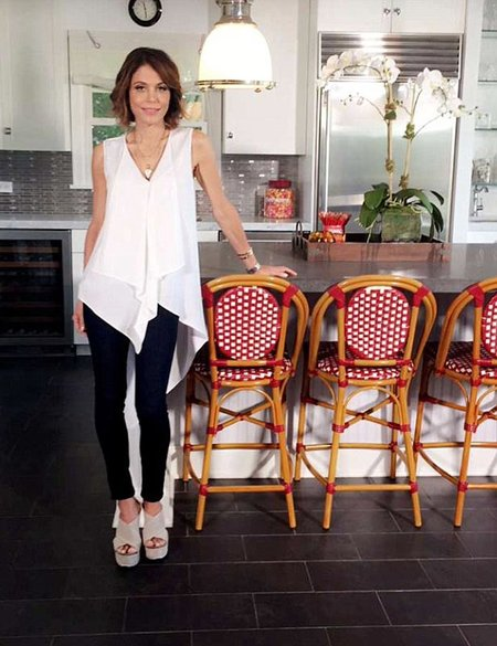 bethenny-frankel-hamptons-home-01 Painting Inside A Mobile Home Kitchen on paint interior mobile home, painting inside house, texturing walls mobile home, painting inside a trailer, painting inside a room, painting inside a caravan, painting inside an rv, paint inside home, painting inside a garage, painting interior walls, painting inside a log cabin,